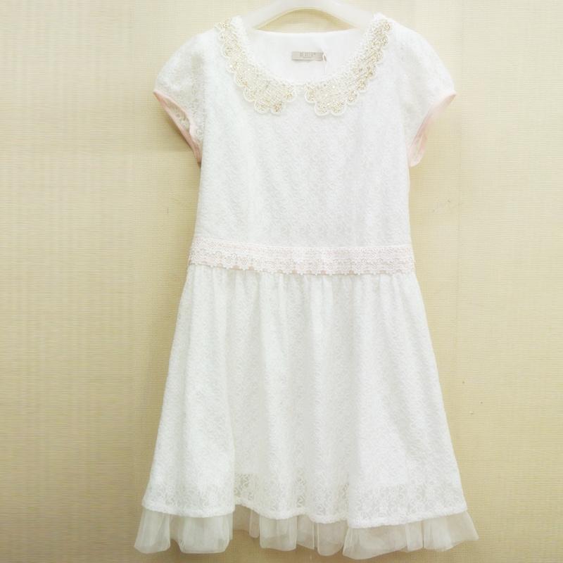 白翻领蕾丝花边连衣裙