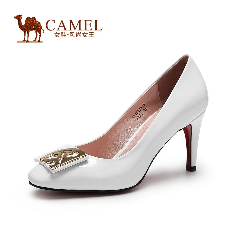 Camel骆驼女鞋 优雅时尚 方头羊漆皮金属配饰酒杯跟单鞋