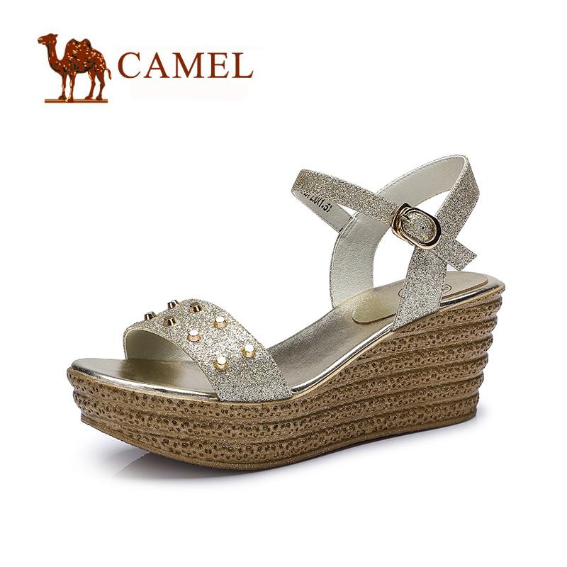 camel骆驼女鞋 精致时尚 夏新款坡跟前掌厚闪粉布高跟凉鞋