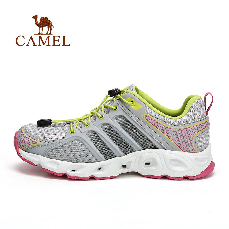 camel骆驼户外女款溯溪鞋 锁扣抽绳鞋带女士溯溪鞋